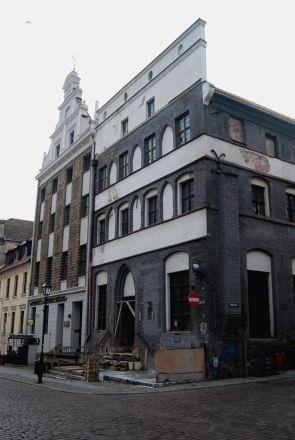 Gotiska hus/renässanshus.