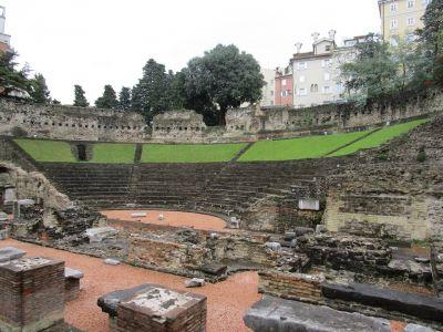 Teatro romano - Romerska teatern.