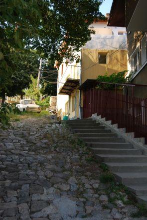 I närheten av vårt vandrarhem i stadsdelen Varosja, Veliko Turnovo.