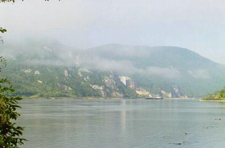 Morgondimma över Donau. (Foto: Ulf Irheden)