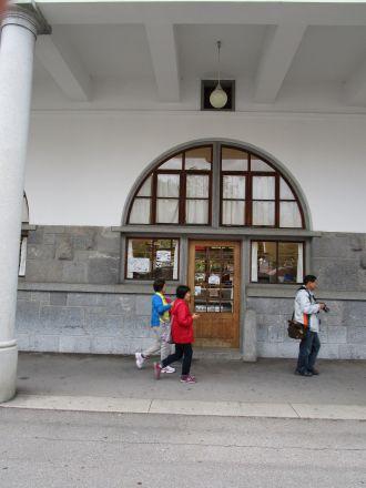 En i en lång rad av marknadsbodar på Centrala marknaden.